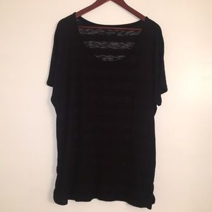 Woman's plus size short sleeve shirt